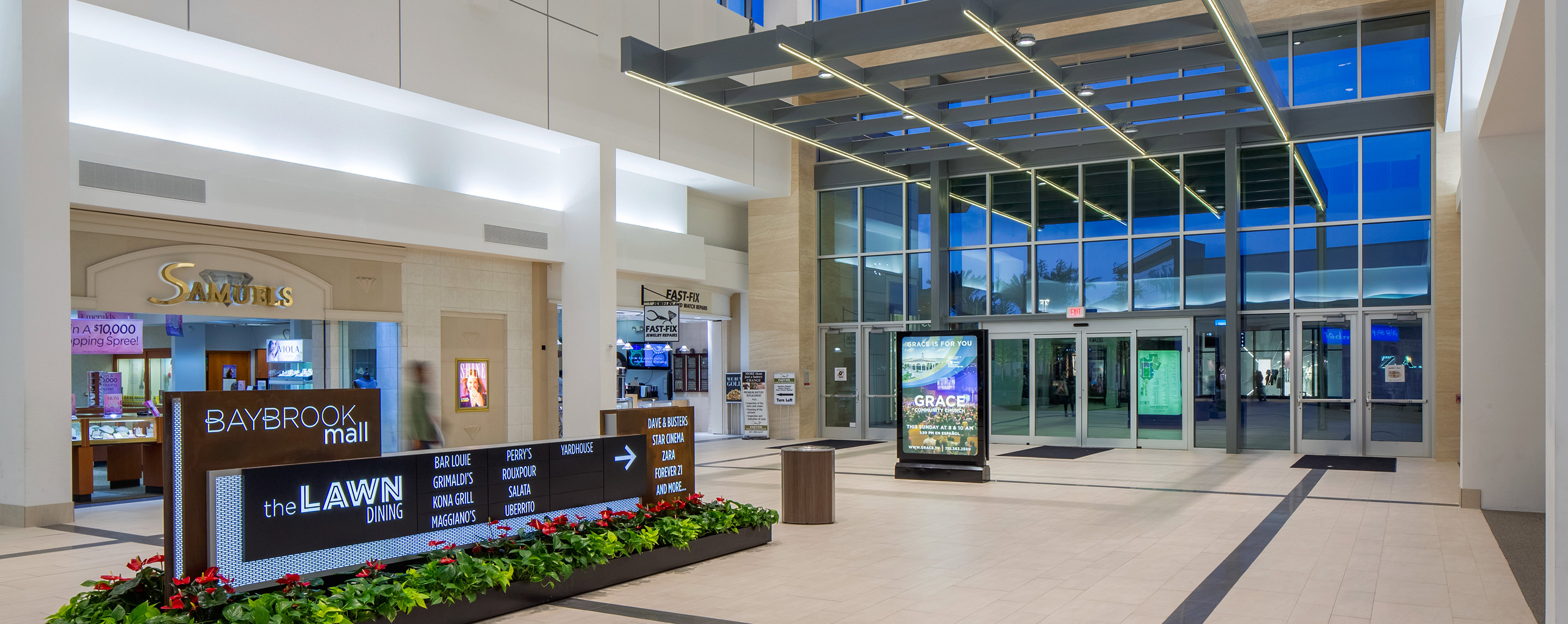 Just inside the Baybrook Mall entrance, you can see information signs to help guide shoppers to desired destinations.