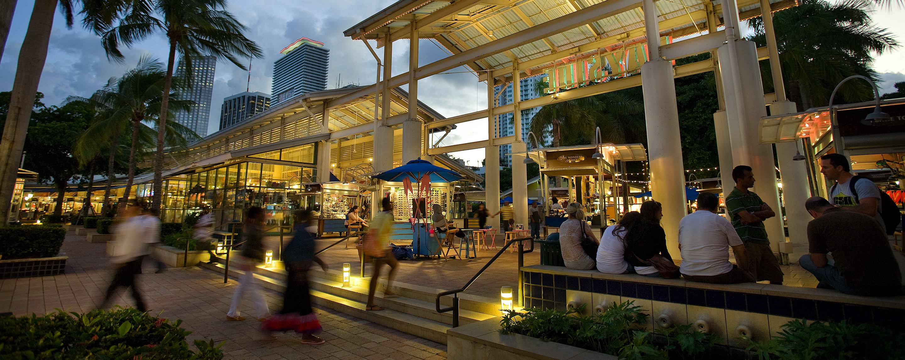 space lighting miami. a busy outside common area at bayside marketplace for shoppers to sit and hang out with space lighting miami t