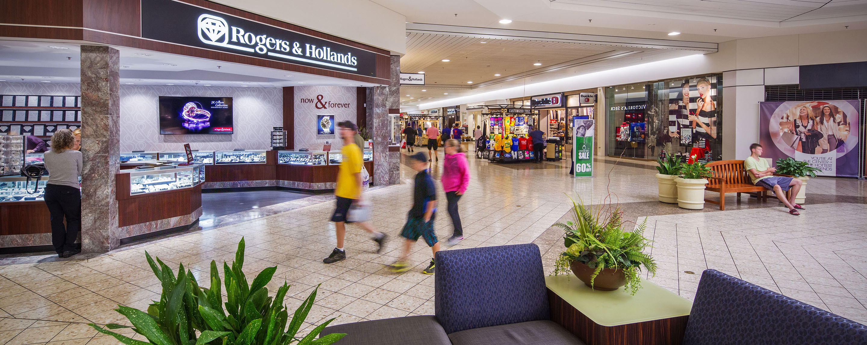 A common area inside the OakWood Mall offers visitors a place to sit and relax while they shop.